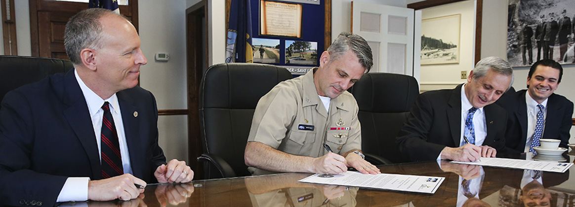 NSWC IHEODTD, College of Southern Maryland Sign 5-Year Education Partnership Agreement