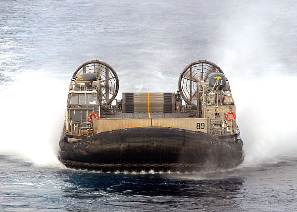 Landing Craft Air Cushion (LCAC) 89, assigned to Assault Craft Unit (ACU) 4, returns to the amphibious dock landing ship USS Ashland (LSD 48).(U.S. Navy photo by Mass Communication Specialist 2nd Class Jason R. Zalasky/Released)